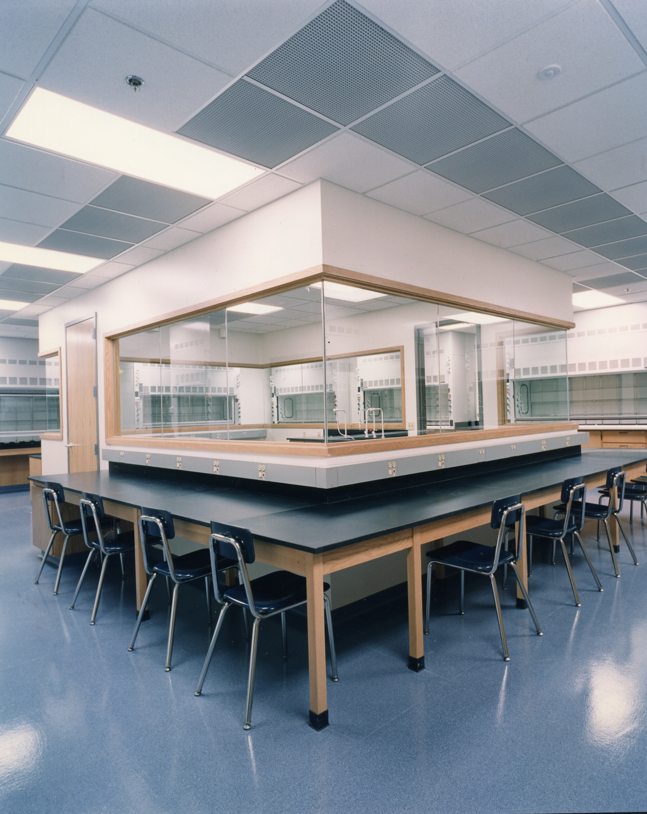 image of lab at Edgewood College